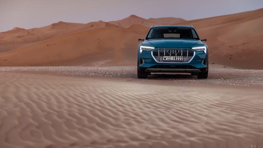 Audi e-tron Antiguablau Grill