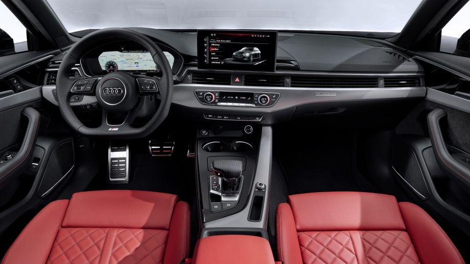 Audi A4 Avant Cockpit Steuerrad Interieur