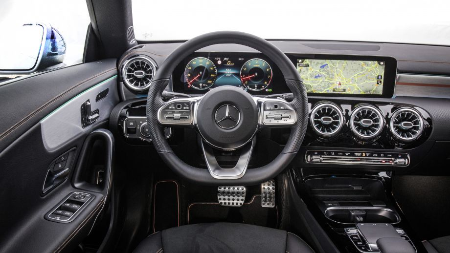 Mercedes-Benz CLA Shooting Brake  Interieur