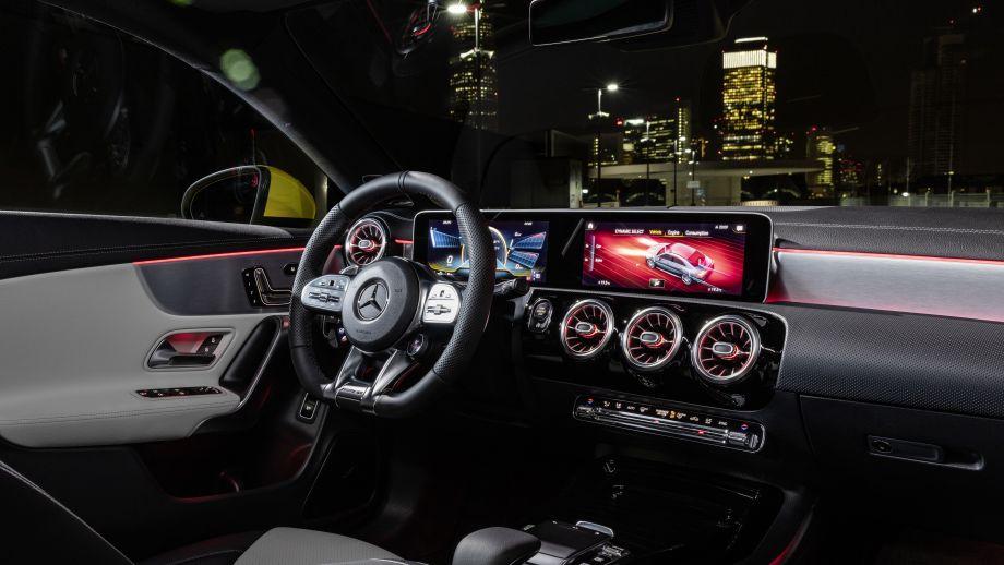 Mercedes-AMG CLA 35 4MATIC Shooting Brake Interieru