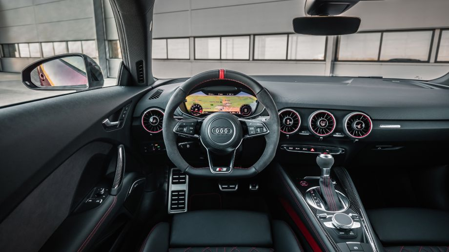 Audi TT S Coupé Cockpit