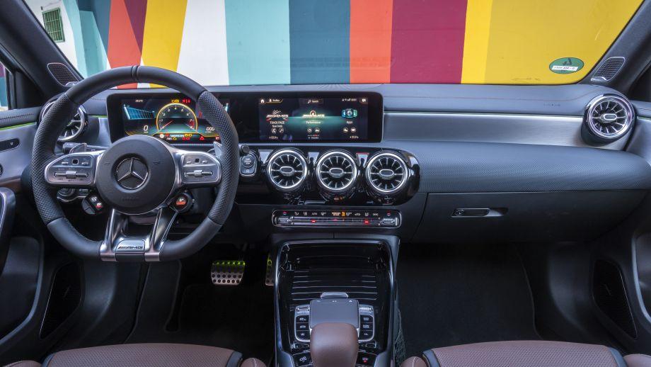 Mercedes-AMG CLA 45 4MATIC+Interieur