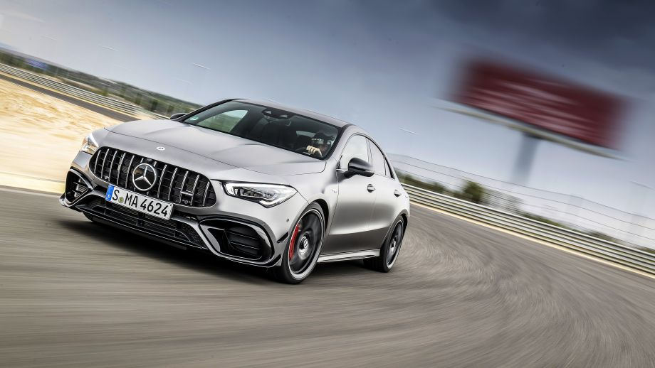 Mercedes-AMG CLA 45 4MATIC+ Grill