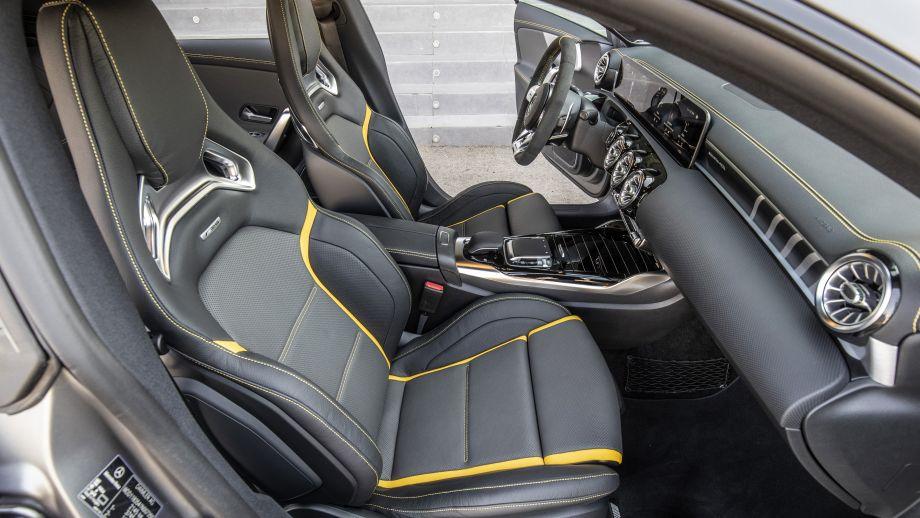 Mercedes-AMG CLA 45 4MATIC+ Performance Sitze