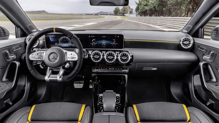 Mercedes-AMG A 45 4MATIC+Interieur MBUX