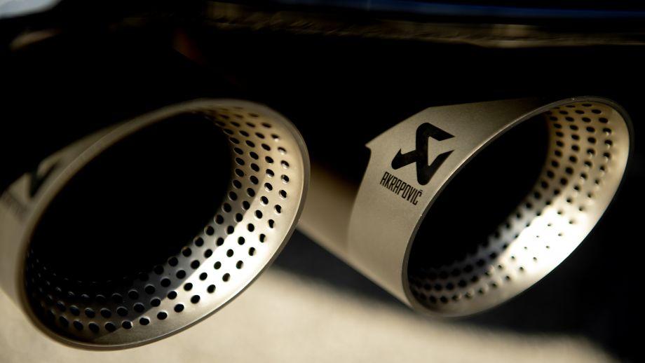VW T-Roc R Akrapovic