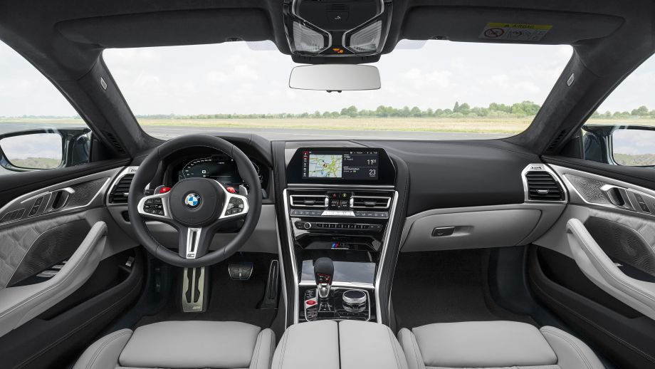BMW M8 Gran Coupé Interieur