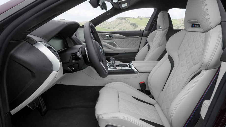 BMW M8 Gran Coupé Sitze