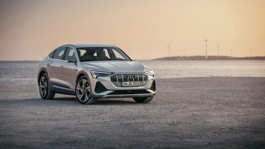 Audi e-tron grill, LED