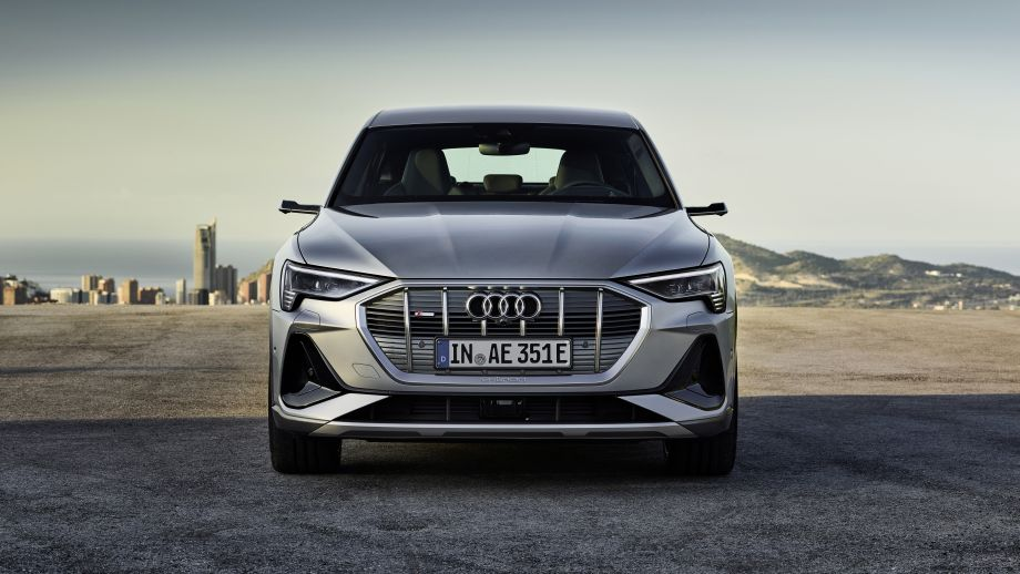 Audi e-tron, Grill, LED