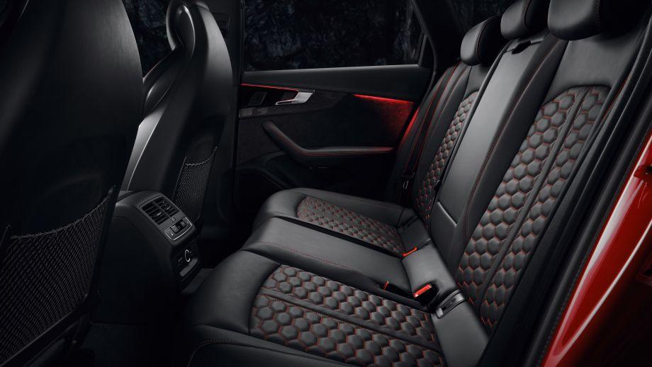 Audi RS4 Avant Rückbank, Platz, LED