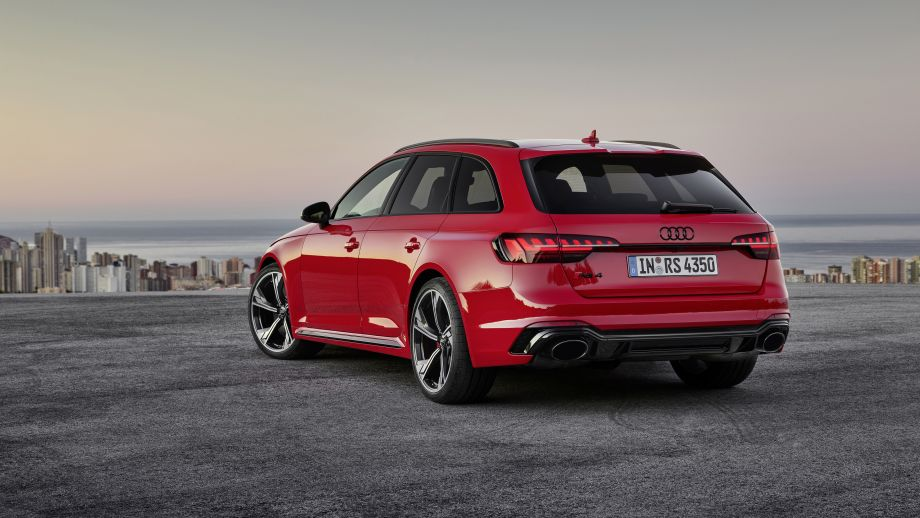 Audi RS4 Avant Diffusor, Heckleuchten, Felgen, Auspuff